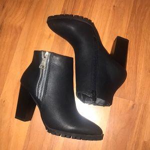 Bella Marie Black booties w/ Zipper sides
